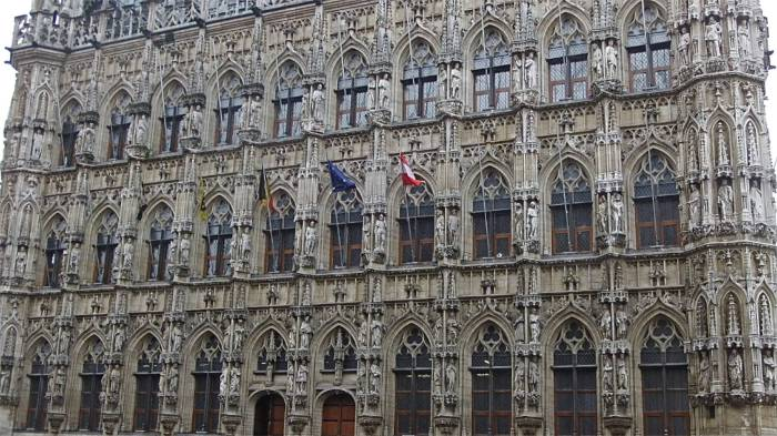Who is Who in Leuven - the extravagant Gothic town hall
