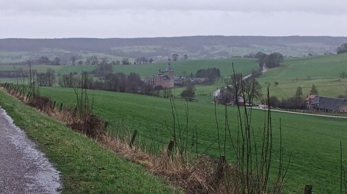 Le chateau de Beusdae.  The castle of Beusdael along the trail in the rolling hills of the Dutch/Belgium border region.