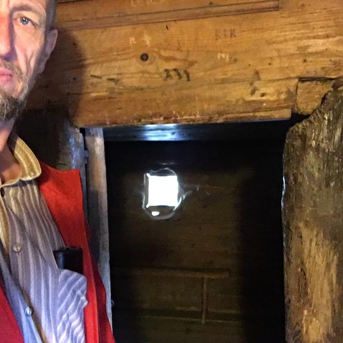 Selfie mit Bruder Klaus in seiner Zelle
